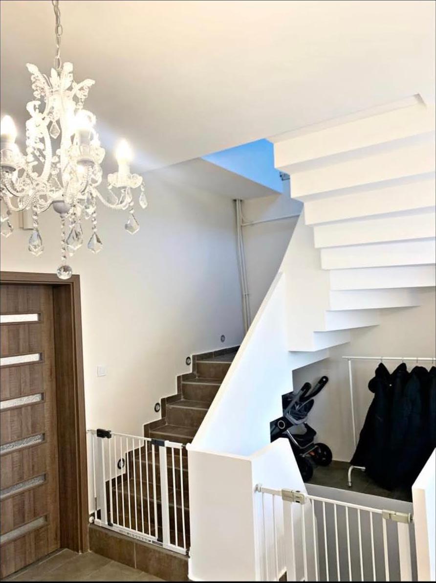 Lépcsőház felújítása